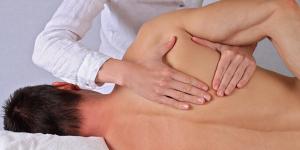 درمان های دستی توسط فیزیوتراپیست